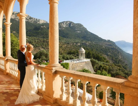 wedding couple on balcony - Son Marroig