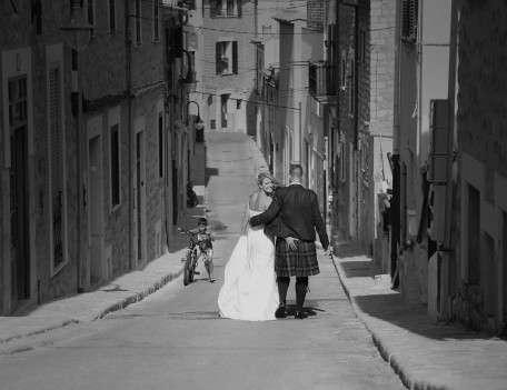 bride and groom in street - The Jumeirah Hotel