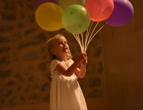 girl with balloons - Son Berga