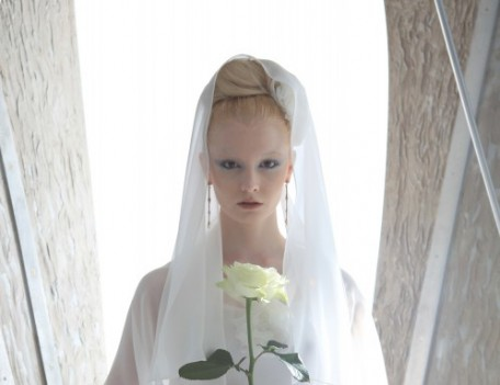 Bride with rose - Bridal Fashion