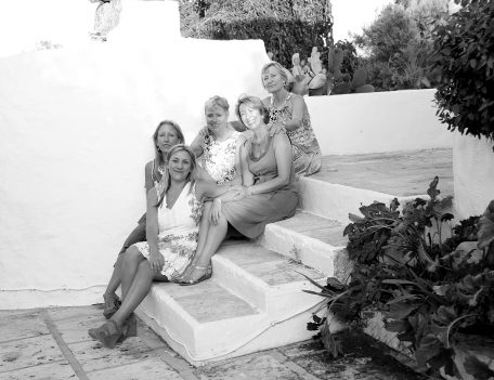 Girls on step - Casa Merdeka Menorca