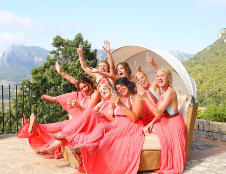Bridesmaids on bed - Iglesia Nova – Valldemossa