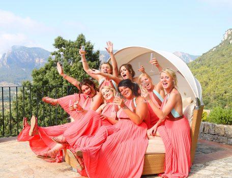 Bridesmaids on bed - Iglesia Nova – Valldemossa