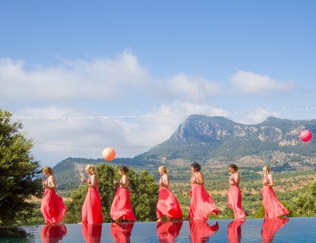 Bridesmaids and pool - Iglesia Nova – Valldemossa
