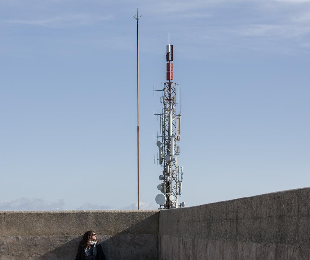 Girl with mast