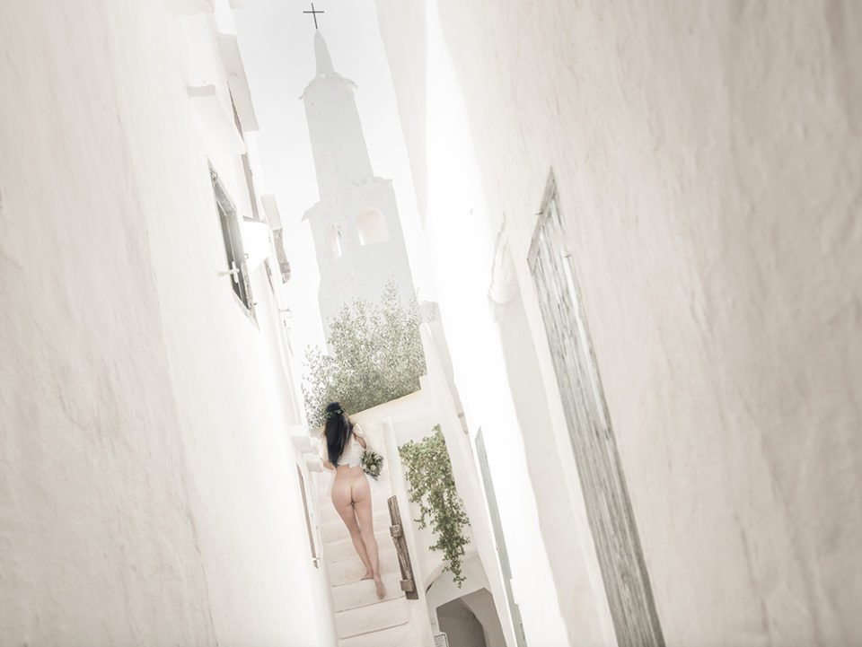 Bride with bare bum