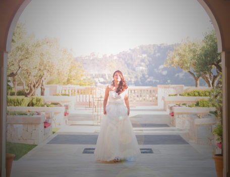 bride in landscape - Hotel Park Hyatt