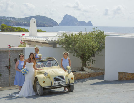 Bride with wedding car - Elixir Shore Club