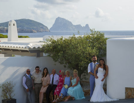wedding group photograph - Elixir Shore Club