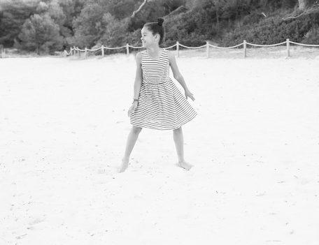girl on beach - Contax 645